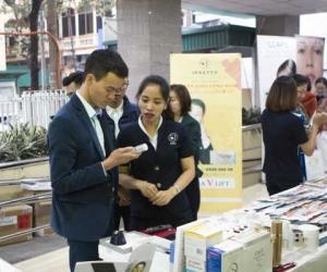 Giáo sư Kwon Han Jin tham dự